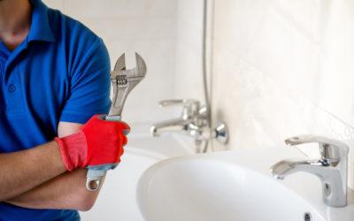 Reformas del hogar: la importancia de contratar a un fontanero profesional